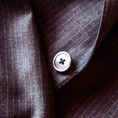 suit-407086_1280