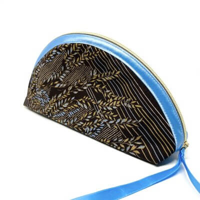 Etui Halbmond blau braun
