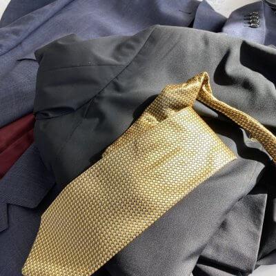 Upcycling Anzug und Kraswatte